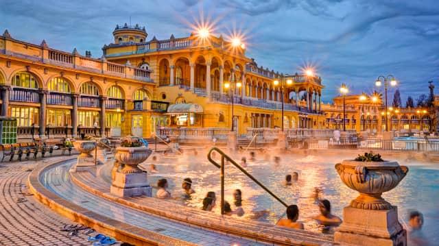 Photo of the Szechenyi Baths from GoToHungary.com