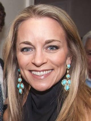 Photo of Wise Loan Marketing Director Elizabeth Showers