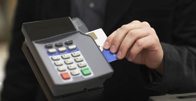More People Carrying Less Cash Thanks to Credit Card Machines