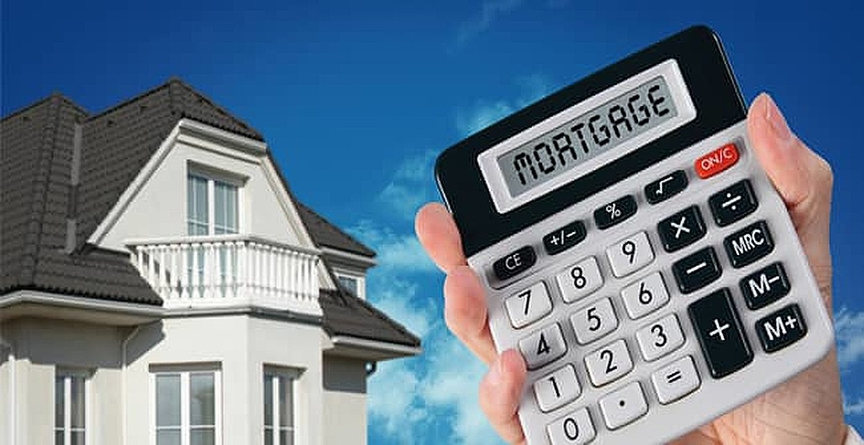 Why Credit Cards Help & Hurt Your Chances of Getting a Mortgage