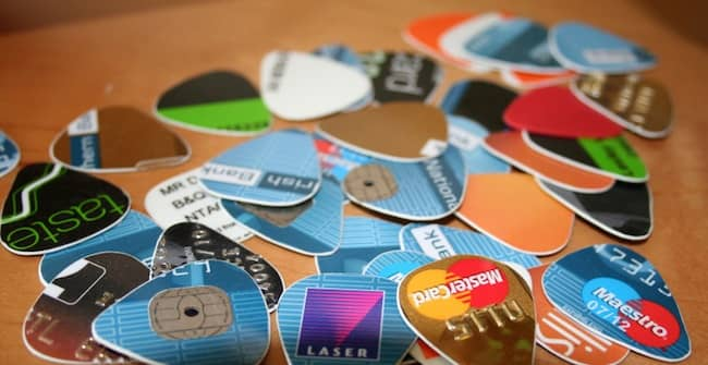 10 Alternate Lifehack Uses For Credit Cards