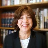 Headshot of Linda Abraham, Founder of Accepted.com