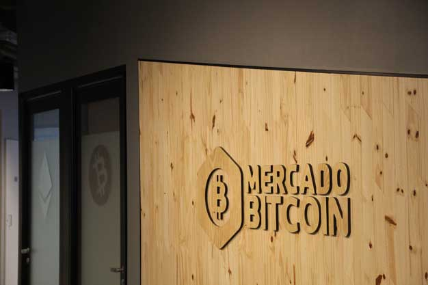 Mercado Bitcoin Woodcut in Office